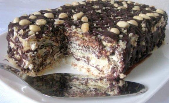 Morenginis tortas su žemės riešutais