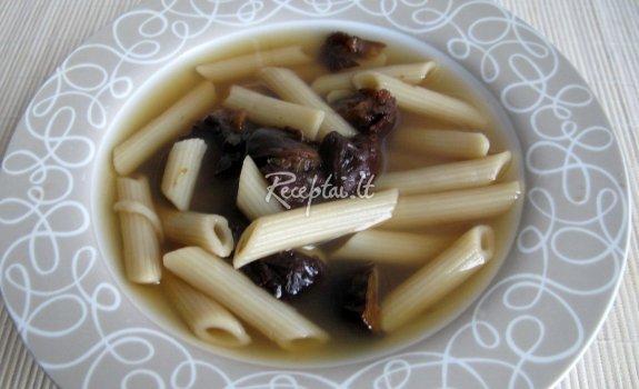 Saldi makaronų sriuba