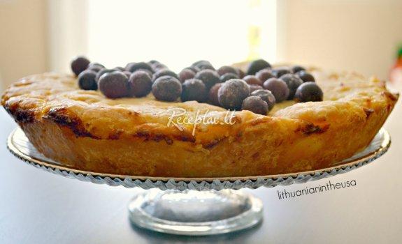 Senovinis varškės pyragas
