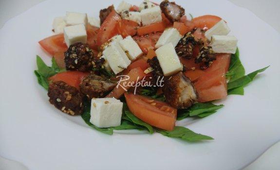 Pavasarinės salotos su vištiena