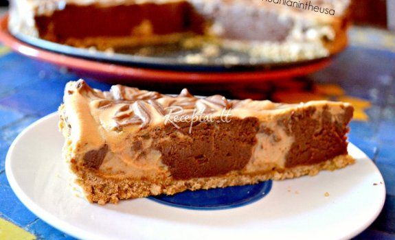 Nekeptas šokoladinis – karamelinis tortas