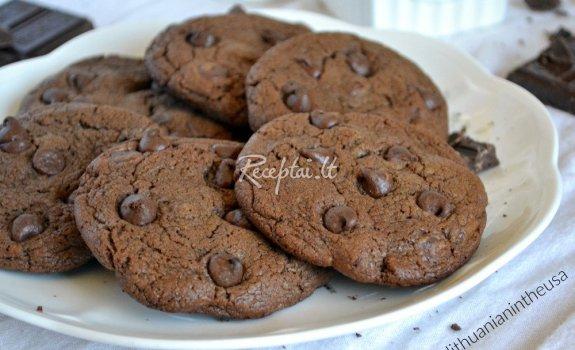 Labai šokoladiniai amerikietiški sausainiai