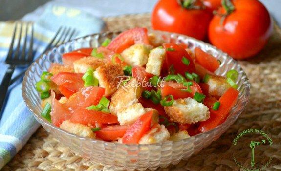 Greitos pomidorų ir skrudinto batono salotos