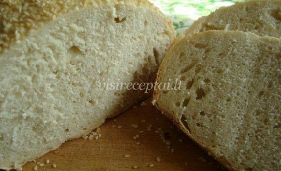 Balta duonelė su sezamų danga