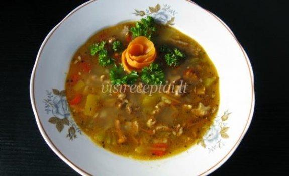 Voveraičių sriuba su džiovintais šaltalankiais ir kmynais