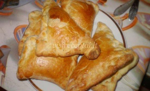 Pyragėliai su sūriu
