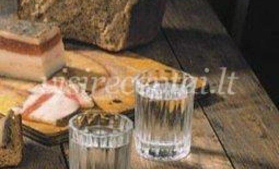 Žvejybos ant ledo gėrimas