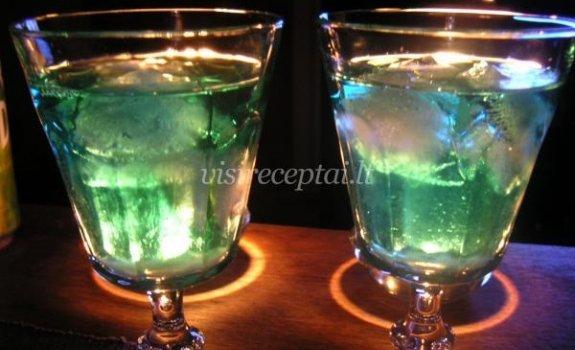Absento kokteilis