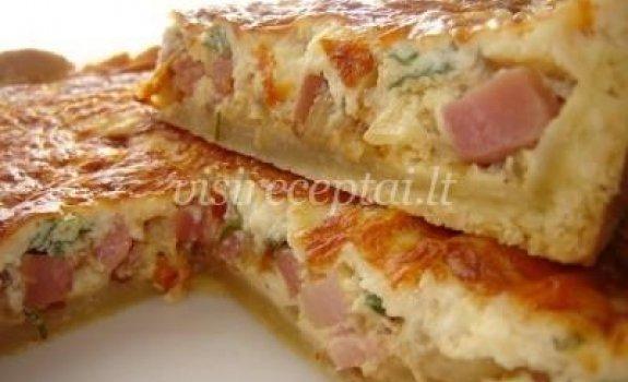Šoninės ir svogūnų pyragas