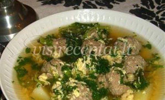Kopūstų sriuba su vištienos maltinukais