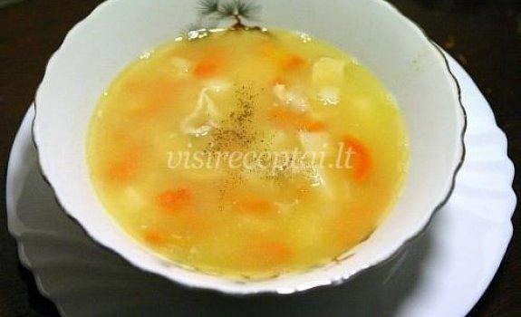 Žirnių sriuba su vištiena