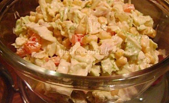 Krabų lazdelių ir pekino kopūsto salotos