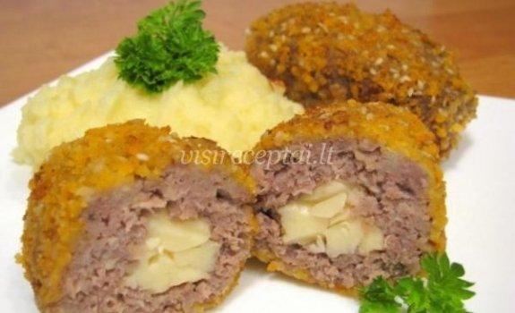 Maltos mėsos kotletai su sūrio įdaru