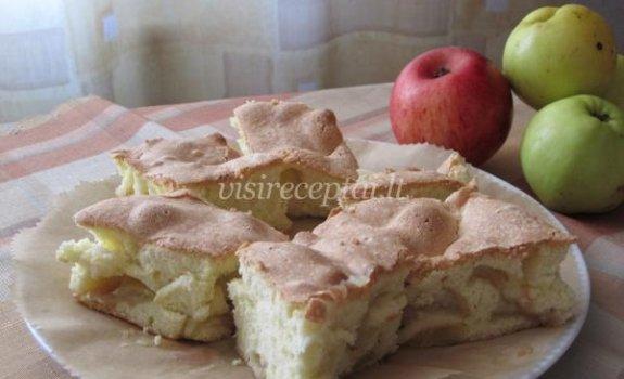 Biskvitas su antaniniais obuoliais