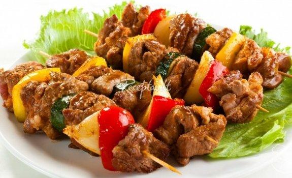 Labai skanus sprandinės vertinis su keptomis daržovėmis