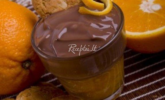 Skanus želė ir šokolado desertas