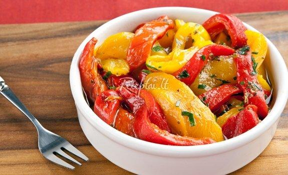 Karštos paprikų salotos