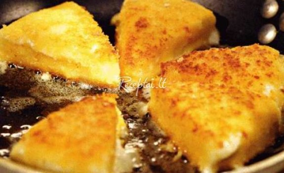 Keptuvėje keptas varškės sūris