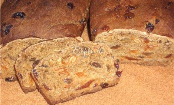 Duona su džiovintais vaisiais