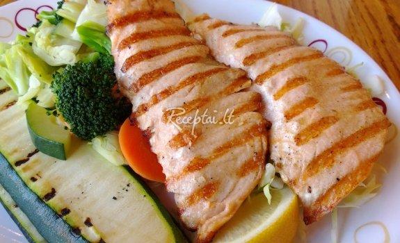 Žuvis su cukinija