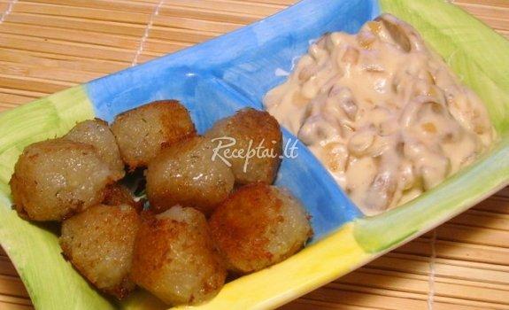 Bulvių kukuliai grybų padaže