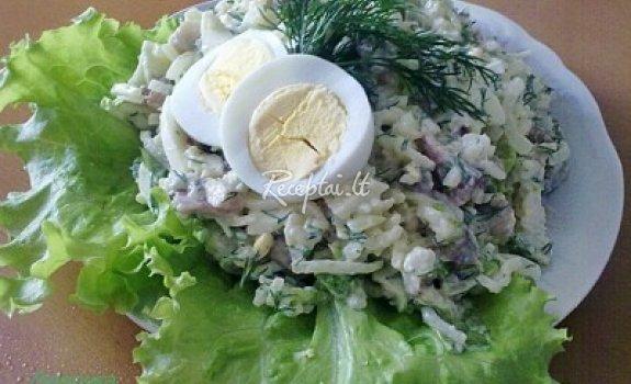 Žalios salotos su silke
