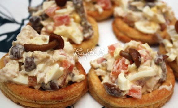 Pyragėliai su vištiena ir grybais