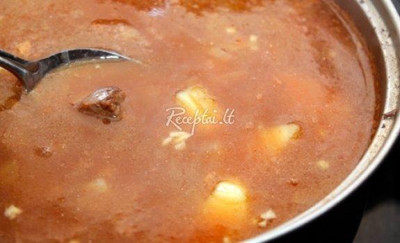 Makaronų sriuba su jautienos juostelėmis