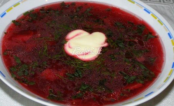 Burokėlių-grybų sriuba