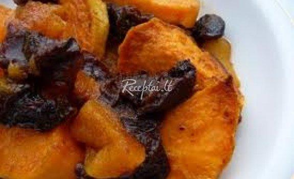 Bulvės su slyvomis ir abrikosais