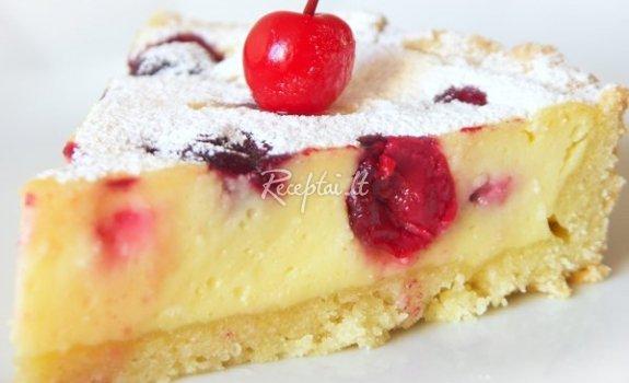 Gaivus varškės tortukas su vyšniomis