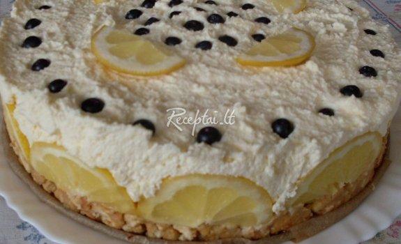 Varškės tortas su citrinų sultimis