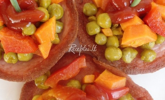 Virtos  dešros dubenėliai su daržovėmis