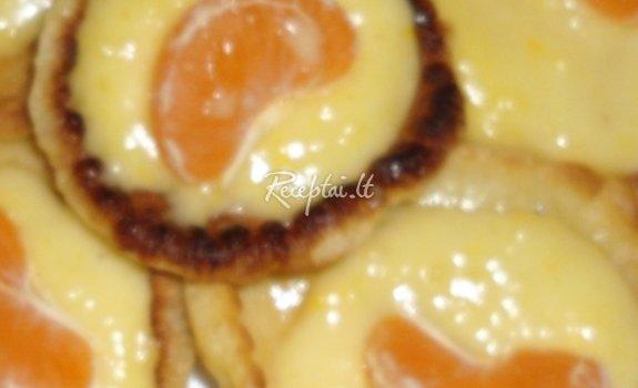 Blyneliai su apelsininiu kremu