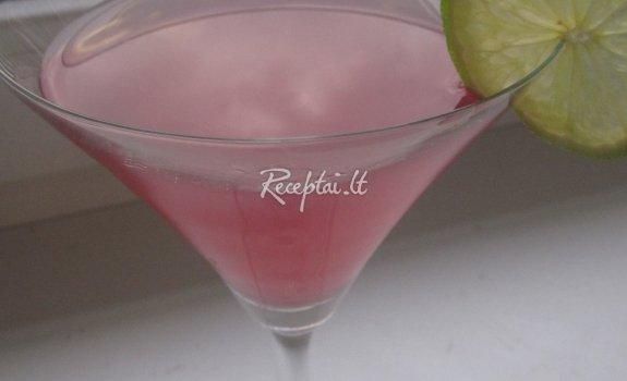 """Kokteilis """"Kosmopolitanas"""""""
