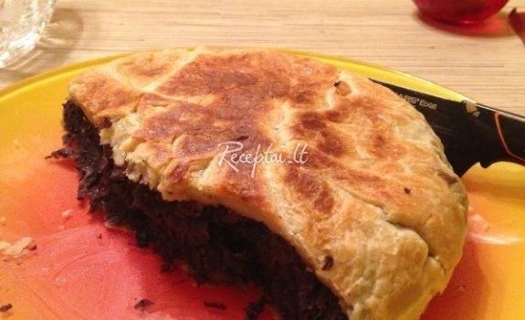 Mėlynas raudongūžių kopūstų pyragas