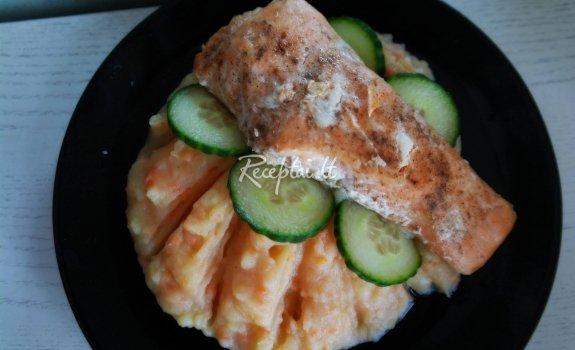 Lašiša su bulvių ir morkų koše