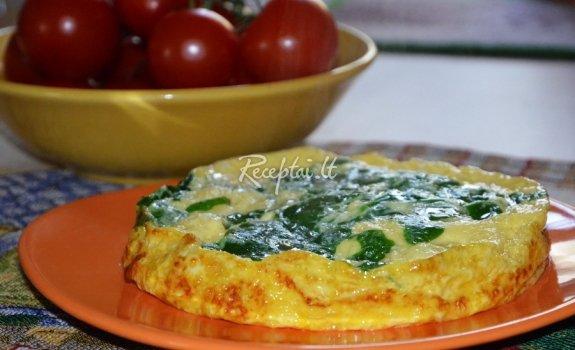 Omletas su špinatais