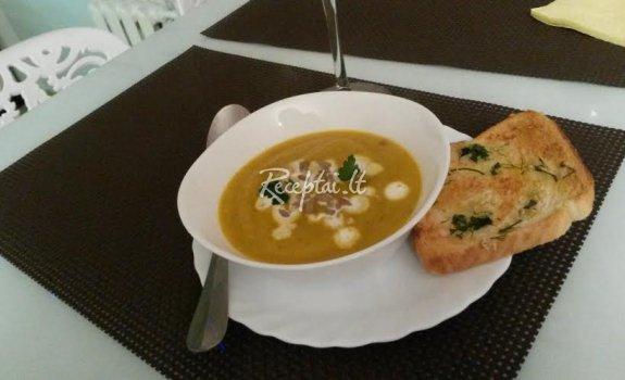 Sveikuoliška rudeninė moliūgo sriuba