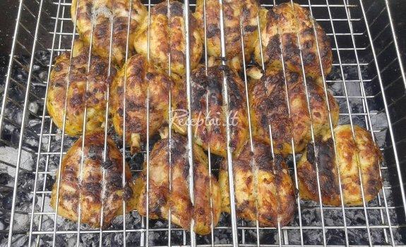 Vištiena medaus - garstyčių padaže