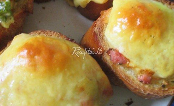 Pusryčių šulinėliai su šonine